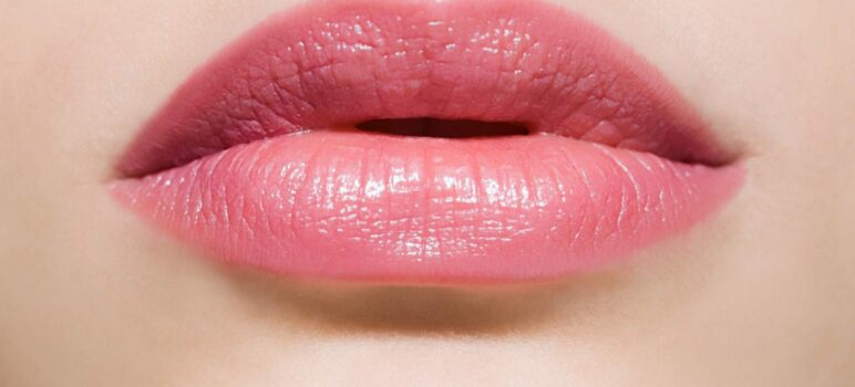 Pink Lips With Oral B Toothpaste